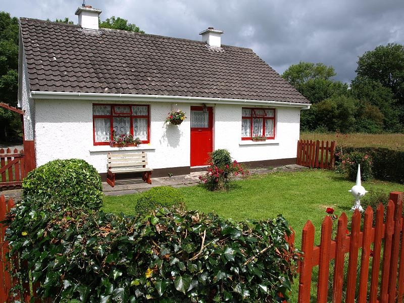 Maison de vacances hannah 39 s cottage farranfore killarney for Au maison oilcloth ireland